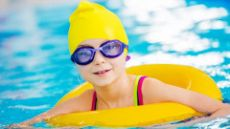 umiem pływać - zdjęcie dziecka wbasenia